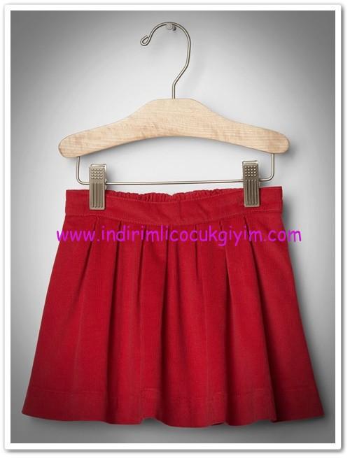 Gap kız çocuk kırmızı kadife pileli etek-100 TL