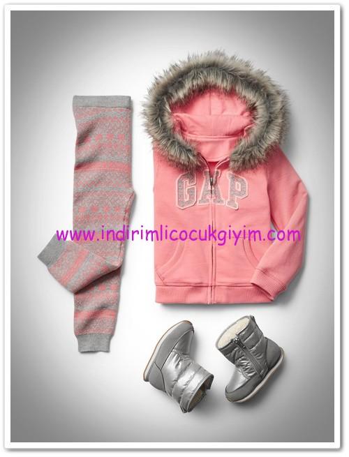 Gap kız çocuk pembe kapşonlu sweatshirt-120 TL