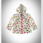 LCW kız çocuk beyaz desenli başlıklı yağmurluk-30 TL