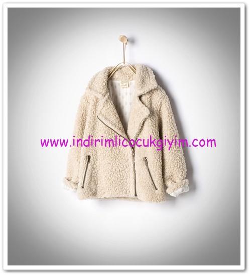 Zara kız çocuk kırpık fermuarlı palto-140 TL