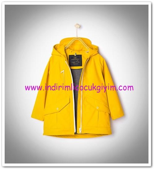 Zara kız çocuk sarı kapüşonlu parka-110 TL