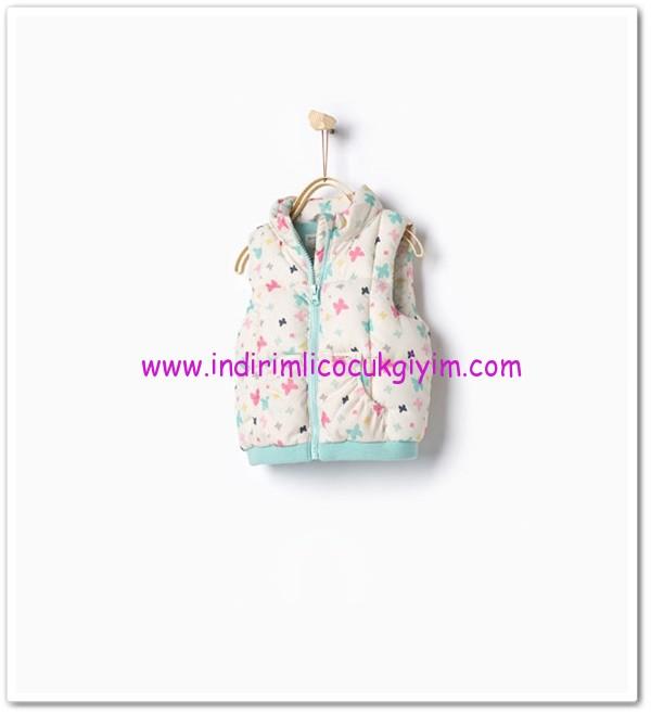 Zara kız bebek kapüşonlu yelek-60 TL