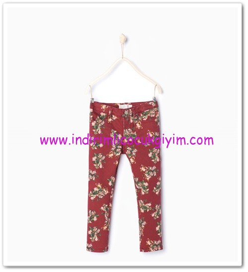 Zara kız çocuk kırmızı çiçekli pantolon-36 TL