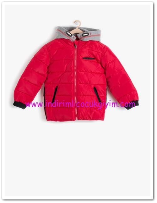 Koton erkek çocuk kapşonlu kırmızı mont-80 TL