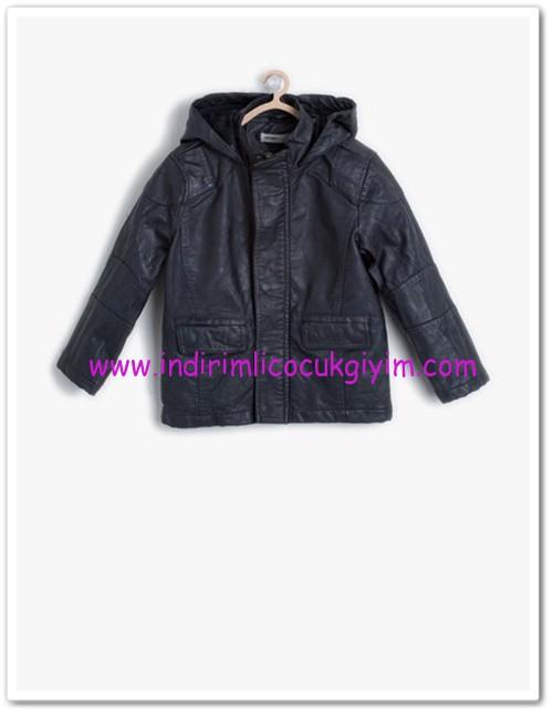 Koton erkek çocuk siyah deri görünümlü mont-50 TL