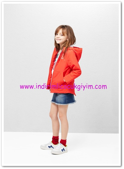 Mango kız çocuk kapüşonlu ceket-150 TL