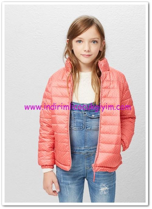 Mango kız çocuk su geçirmez kapşonlu kapitoneli ceket-70 TL