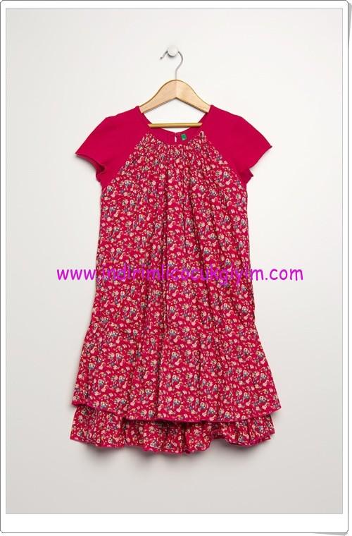 Benetton kız çocuk kırmızı çiçekli elbise-40 TL