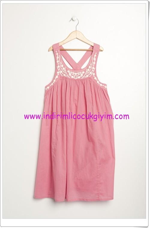Benetton kız çocuk pembe yakası nakışlı elbise-40 TL