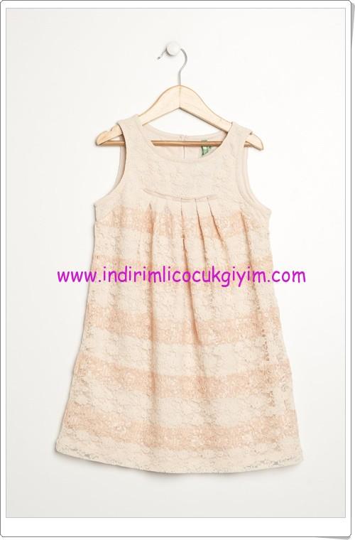 Benetton kız çocuk pudra güpürlü elbise-60 TL