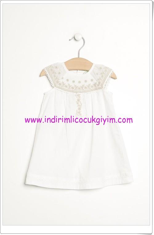 Benetton yakası nakışı beyaz çocuk elbisesi-30 TL