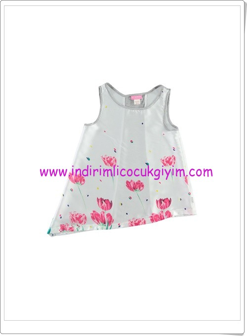 LCW kız çocuk beyaz çiçek desenli kolsuz bluz-20 TL