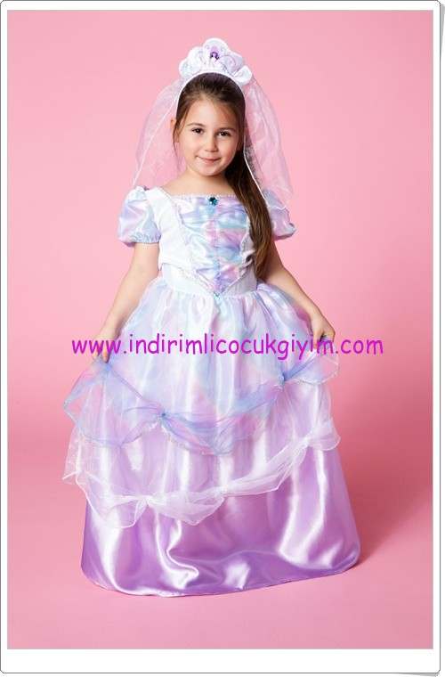 DeFacto kız çocuk 23 Nisan prenses kostümleri-90 TL
