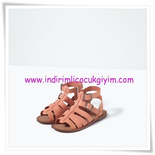 Zara kız çocuk pembe fermuarlı deri sandalet-110 TL