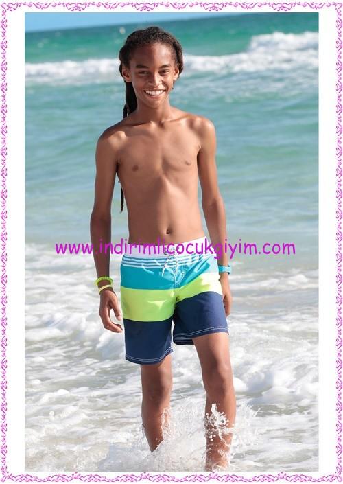 Bonprix mavi çizgili erkek çocuk deniz şortu-40 TL