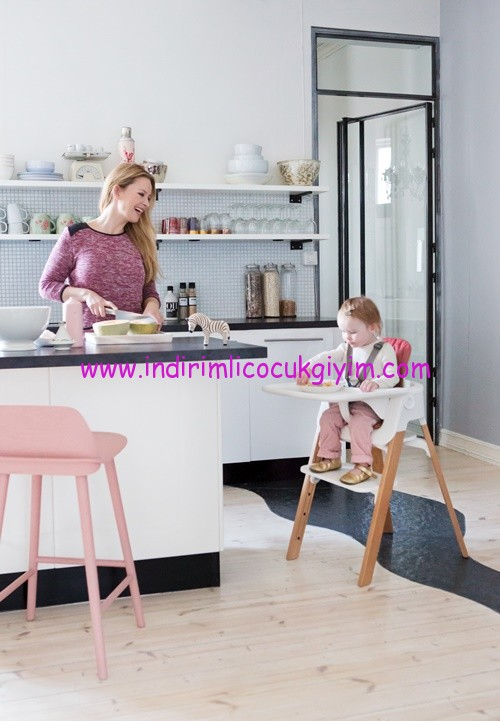 stokke-steps-natural-with-baby-set-and-tray