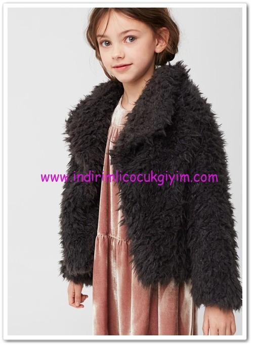mango kız çocuk kömür karası suni kürklü manto