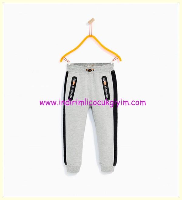 zara erkek çocuk çizgili reflektif detaylı spor pantolon