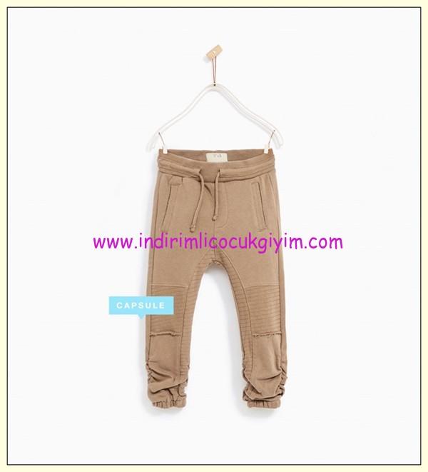 zara erkek çocuk paçası büzgülü pantolon