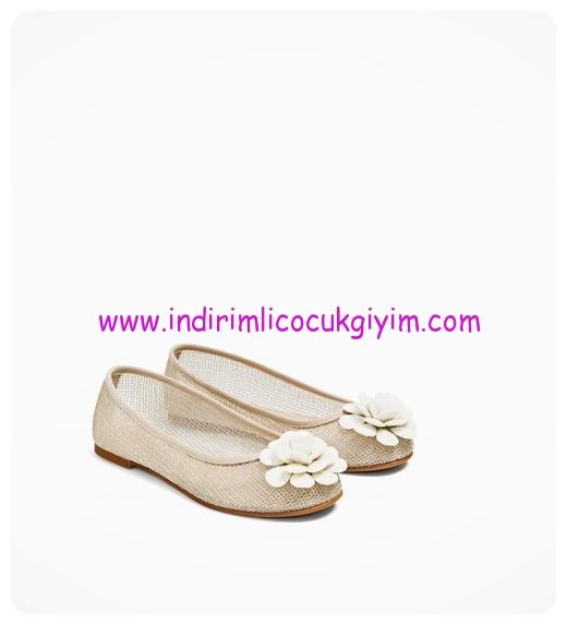zara kız çocuk aplikeli babet ayakkabı