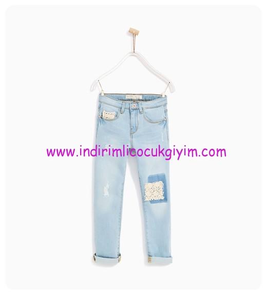 zara kız çocuk kroşe detaylı jean pantolon