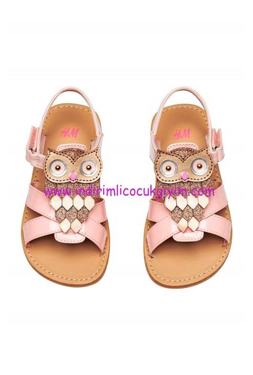 hm kız çocuk pembe baykuşlu sandalet