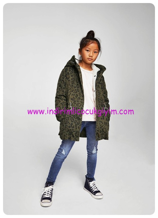 mango kız çocuk leopar desenli kapşonlu palto
